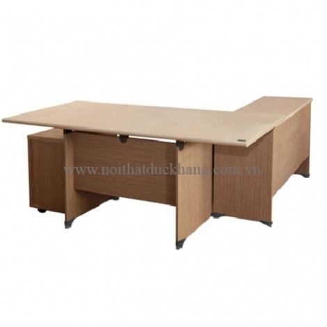 Thêm diện tích sử dụng với bàn làm việc NewTrend Hòa Phát