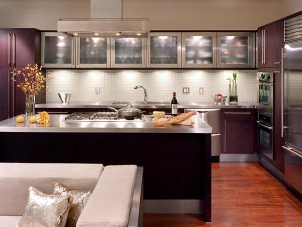 Những lưu ý về màu sắc khi sử dụng tủ bếp kim loại