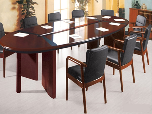 Ghế này phần lớn dùng trong các phòng họp và hội nghị quan trọng hoặc dành cho ghế giám đốc, trưởng phòng
