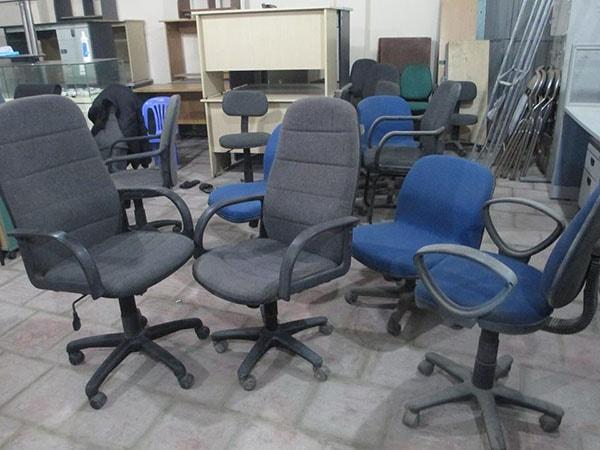 Chọn bàn ghế văn phòng thanh lý phù hợp với nhu cầu