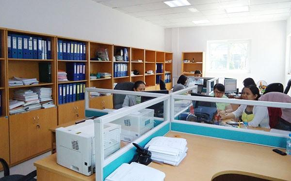 Tủ hồ sơ gỗ rất cần thiết cho phòng kế toán