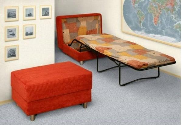"""Chiếc ghế chỉ là """"bình phong"""" của chiếc giường xếp"""
