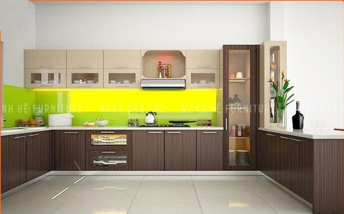 Tủ bếp chữ U làm bằng chất liệu gỗ Melamine